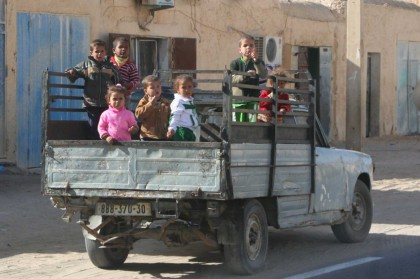 Hassi Messaoud |bambini su camion