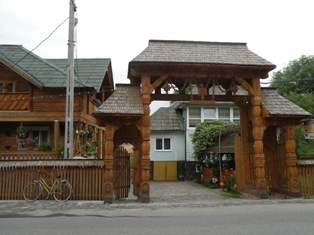 I tipici portoni in legno