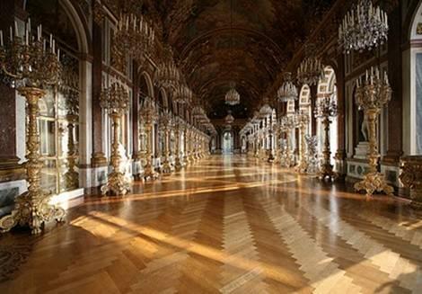 Castello di Herrenchiemsee la galleria degli specchi
