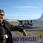 Nunzio davanti al Pilatus Britten-Norman Islander